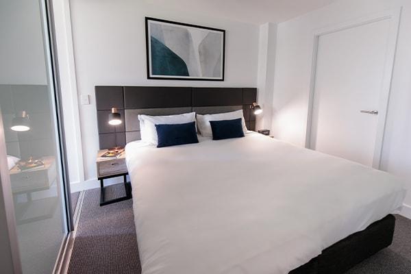Oaks Glenelg Plaza Pier Suites 2 Bedroom Premier Park view Bedroom