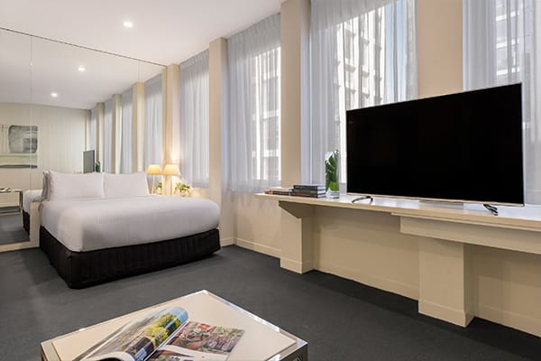 Oaks Melbourne on Collins Hotel Cosmo Apartment Bedroom
