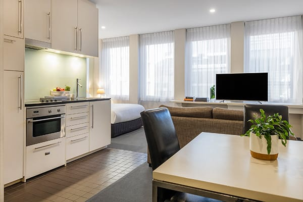 Oaks Melbourne on Collins Hotel Cosmo Apartment Living