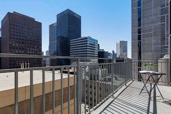 Oaks Melbourne on Collins Hotel Rooftop Apartment Balcony