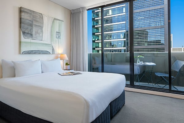 Oaks Melbourne on Collins Hotel Rooftop Apartment Bedroom