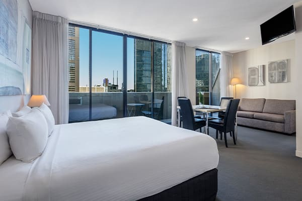 Oaks Melbourne on Collins Hotel Rooftop Apartment Living