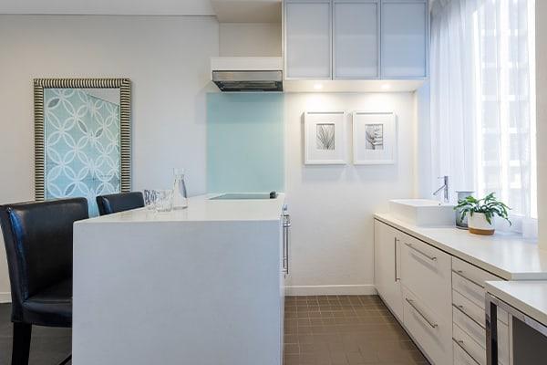 Oaks Melbourne on Collins Hotel Studio Executive High Kitchen