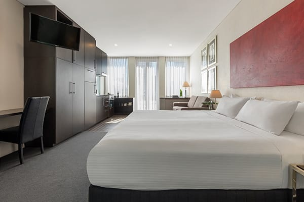 Oaks Melbourne on Collins Hotel Studio Executive Bedroom
