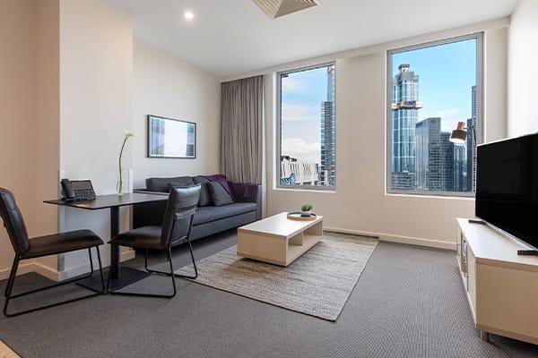 Oaks Melbourne on Market Hotel 1 Bedroom View Living