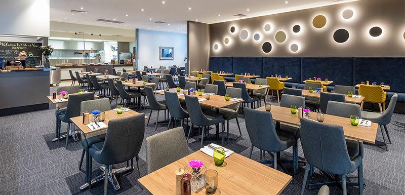 Oaks on Market restaurant oak and vine Melbourne hotel