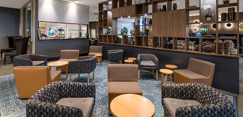 Oaks on Market waiting area at lobby Melbourne hotel