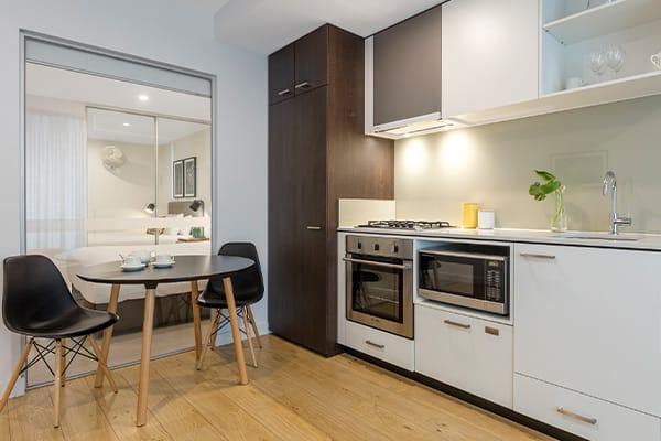 Oaks Melbourne Southbank Suites 1 Bedroom Kitchen