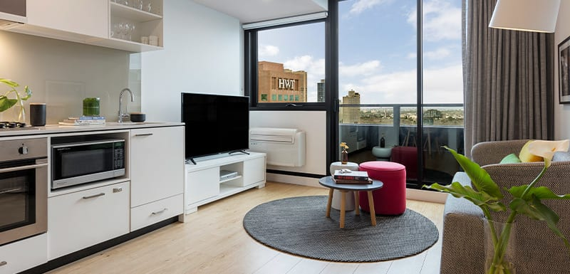 Oaks Melbourne Southbank Suites Living