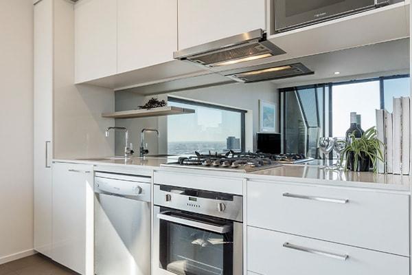Oaks Melbourne on William Suites 2 Bedroom Executive Kitchen