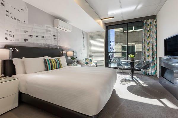 Oaks Melbourne on William Suites Studio Bedroom