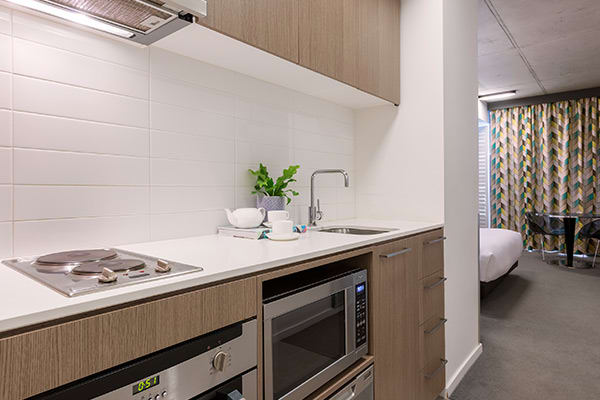 Oaks Melbourne on William Suites Studio Kitchen