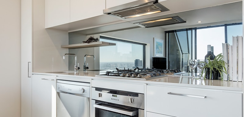Oaks Melbourne on William Suites Kitchen