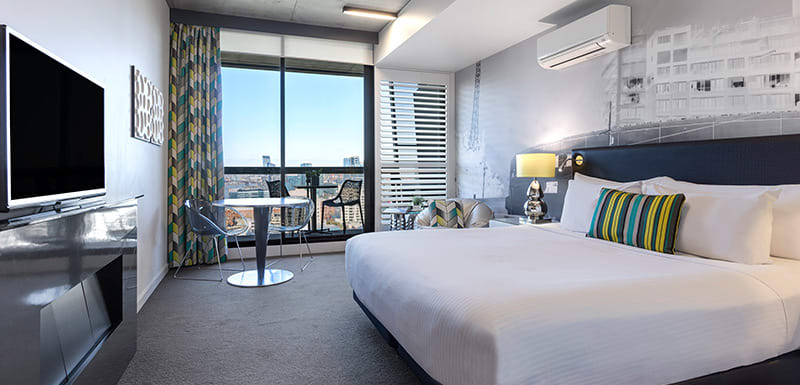 Oaks Melbourne on William Suites Bedroom
