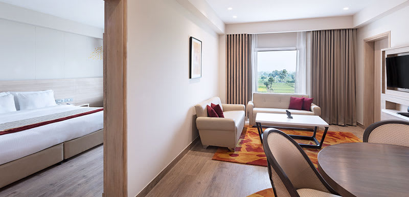 Oaks Bodhgaya India - Suite - Living Area