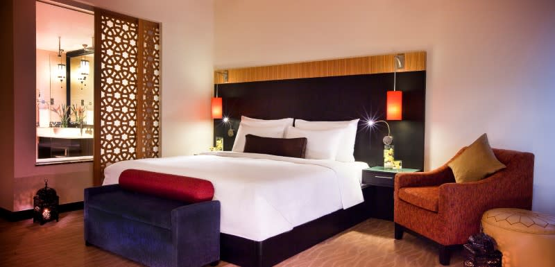 Spacious Deluxe Rooms at Oaks Ibn Battuta
